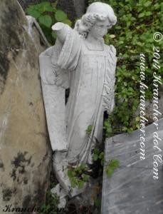 Peneleh, bij het graf van Jan Frederik Soumokil en Wilhelmina Berkholst