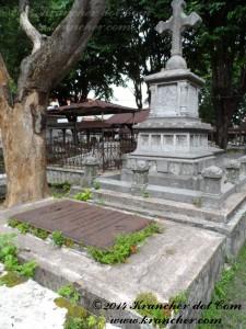 Het graf van F.J.H. Bayer