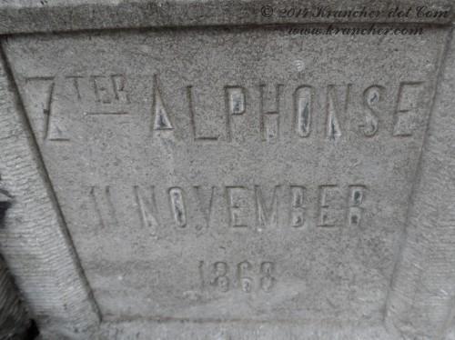 """Zuster Alphonse<br><i>Marie Marguerite Henriette Portman</i> <br><span style=""""font-size: xx-small"""">Bron:  Register Peneleh</span>"""