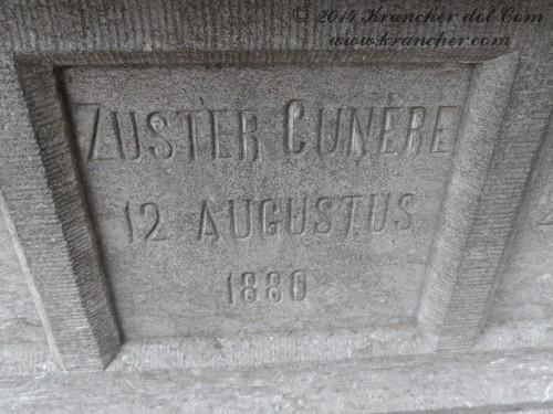 "Zuster Cunère<br><i> Verm. Petronella Wilhelmina Ingenbleek</i> <br><span style=""font-size: xx-small"">Bron:  Soerabaijasch handelsblad; RA1881/325</span>"
