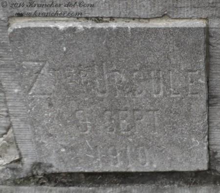 "Zuster Ursule<br />  <i>Henriette Caroline Josephine Rüell</i><br />  <span style=""font-size: xx-small"">Bron: Register Peneleh</span>"